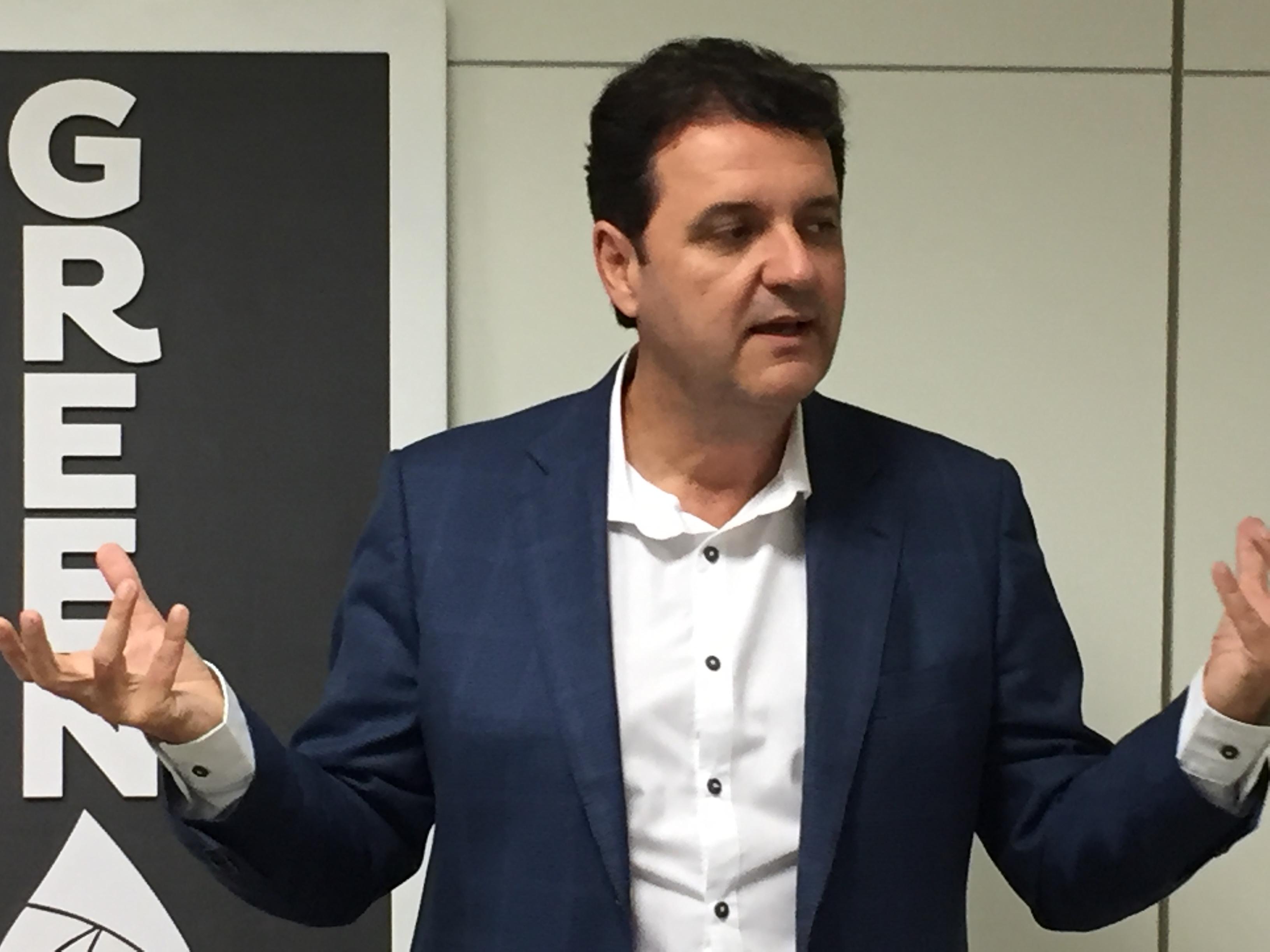 Foto da entrevista sobre a inauguração da GreenPlac, concedida pelo empresário José Maurício Caldeira, da Asperbras