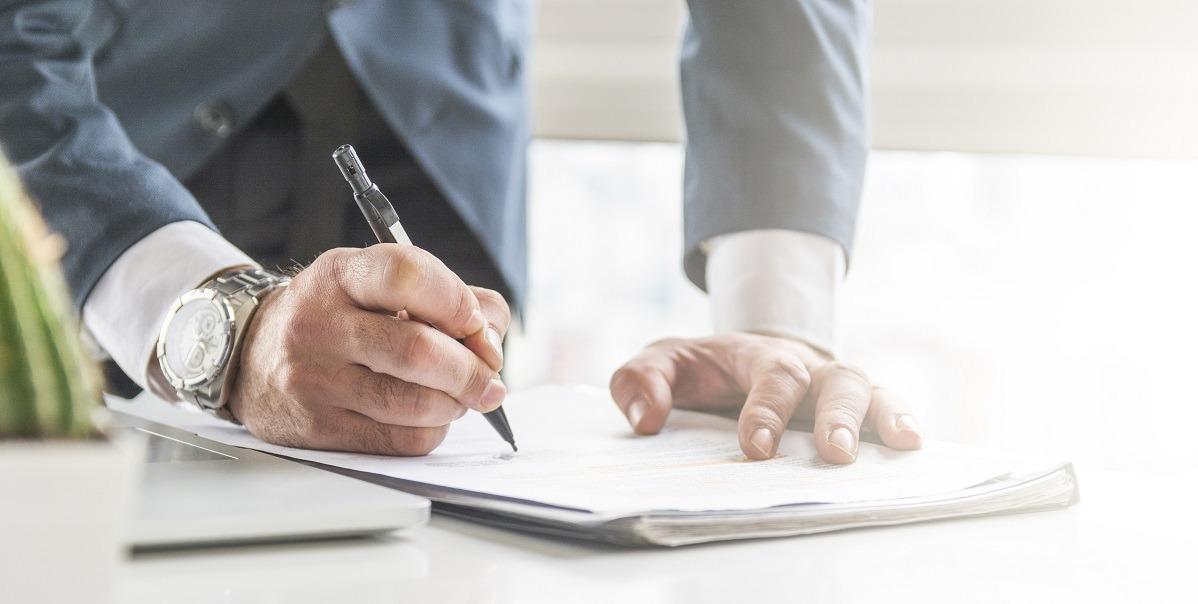 Novidade que veio com a reforma trabalhista, o termo é uma declaração assinada anualmente por empregado e empregador perante o sindicato, que comprova a veracidade dos compromissos entre ambos durante o período do serviço.
