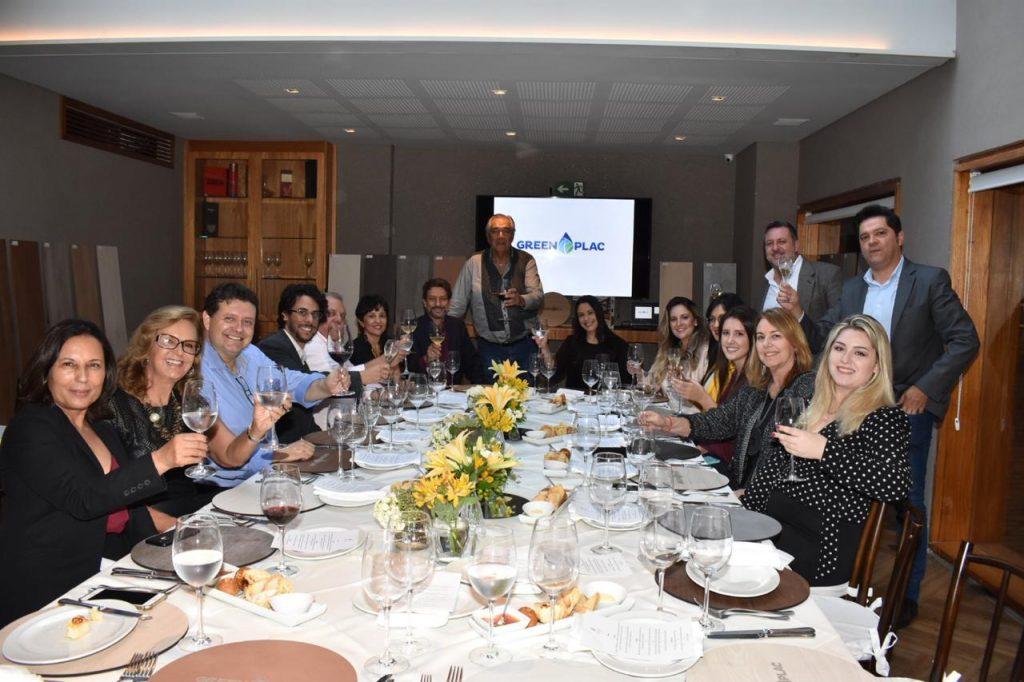 GreenPlac reúne arquitetos e jornalistas para comemorar participação na CASACOR SP