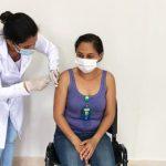 Profissionais do Hospital Regional de São Luís de Montes Belos – Dr. Geraldo Landó (HRSLMB) foram vacinados contra a Covid-19